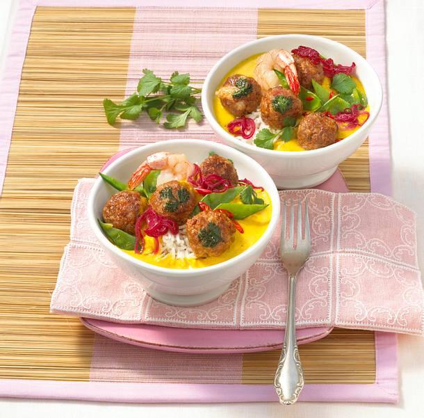 Garnelenbällchen in Currysoße Rezept
