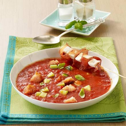 Gazpacho mit Mozzarella-Schinken-Spießen Rezept