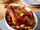 Gebackene Hähnchenkeulen auf Paprikagemüse Rezept