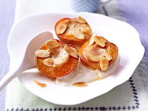 Gebackene Ingwer-Aprikosen mit Vanille-Creme fraiche Rezept