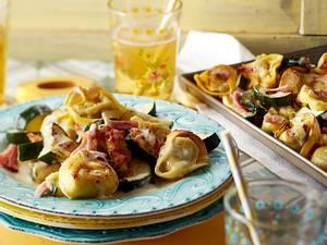 Gebackene Tortellini mit Schinken & Zucchini Rezept