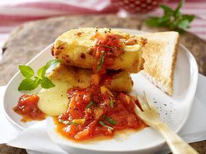 Gebackener Camembert mit Apfel-Tomaten-Confit Rezept