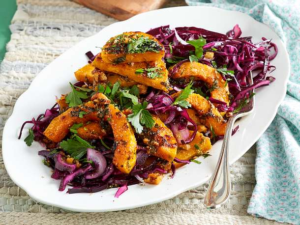 Gebackener Kürbis mit Rotkohl-Salat Rezept
