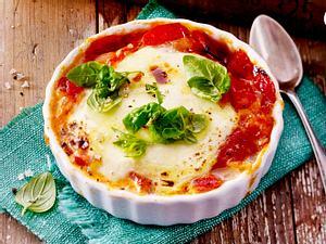 Gebackener Mozzarella auf Chutney Rezept