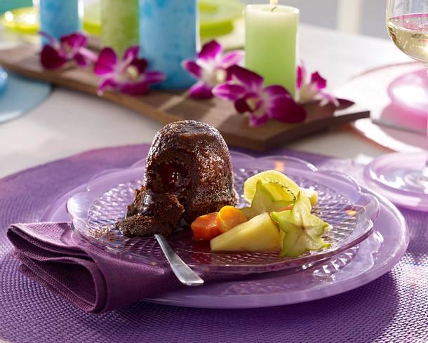 Gebackener Schokoladenpudding mit Obstsalat Rezept