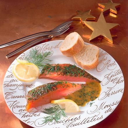 Gebeizter Lachs mit Honig-Senfsoße Rezept