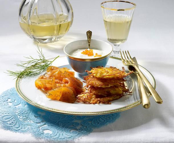 Gebeizter lachs mit kartoffel r sties f r 4 personen for Kochen 4 personen