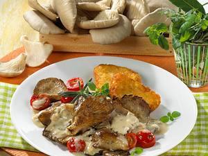 Gebratene Austernpilze in Sahnesoße zu Röstiecken Rezept