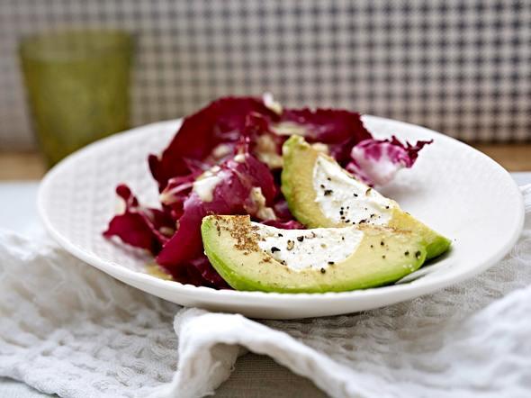 Gebratene Avocado mit Ziegenkäse Rezept
