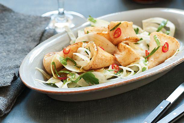 Gebratene Calamari und scharfer Fenchelsalat mit Minze Rezept