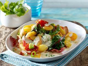 Gebratene Gnocchi mit Mangold und Kirschtomaten in Speck-Knoblauch-Soße Rezept