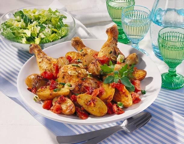 Gebratene Hähnchenkeulen zu geschmortem Gemüse Rezept