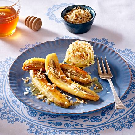 Gebratene Honig-Banane mit Kokoseis Rezept