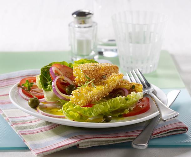 Gebratene Käsesticks auf Salat Rezept