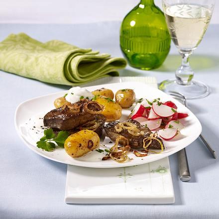 Gebratene Kalbsleber mit Pellkartoffeln und Sour Creme (Aus 4 mach 1) Rezept