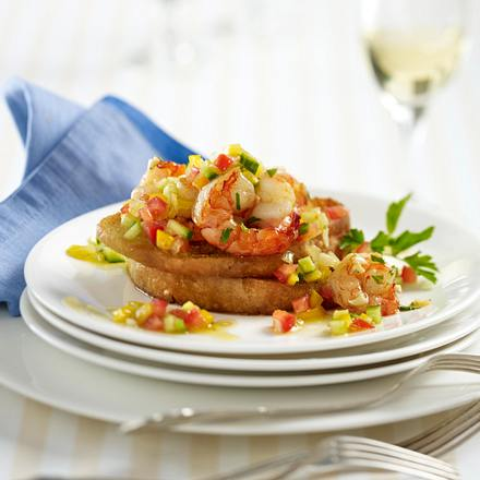 Gebratene Petersilien-Garnelen auf geröstetem Ciabattabrot mit Gazpacho-Salsa Rezept