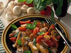 Gebratene Polentaecken mit Tomaten-Pilzgemüse Rezept