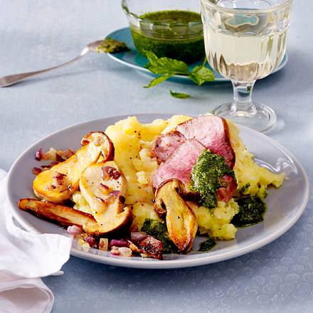 Gebratene Steinpilze zu Kartoffel-Selleriestampf und Schweinefilet Rezept