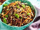 Gebratener roter Reis mit Mangold Rezept