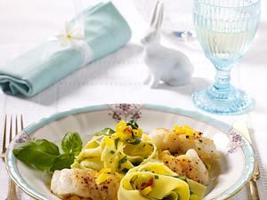 Gebratener Zander auf Nudel-Zucchini-Gemüse Rezept
