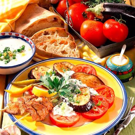 Gebratenes Gemüse und Joghurtsoße Rezept