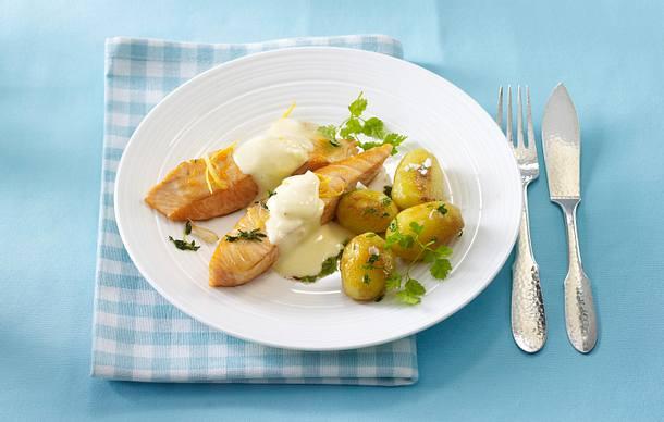 Gebratenes Lachsfilet mit Zitronen-Hollandaise (Johann Lafer) Rezept