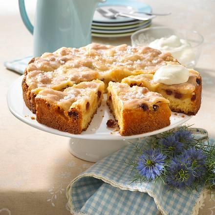 Gedeckter Apfelkuchen mit Cranberries Rezept