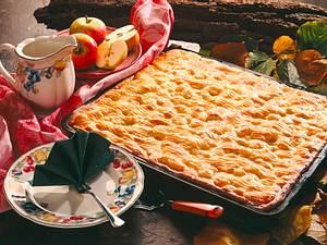 Gedeckter Apfelkuchen vom Blech Rezept