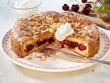 Gedeckter Kirschkuchen mit Marzipan Rezept