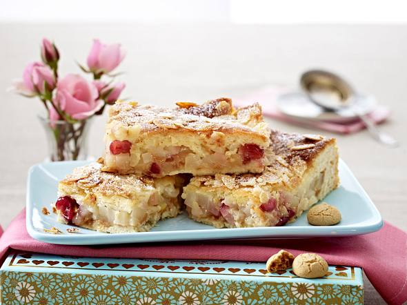 Gedeckter Quitten-Kuchen mit Amarettini Rezept
