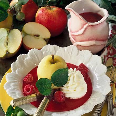 Gedünstete Äpfel auf Himbeermark Rezept