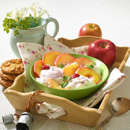 Gedünstete Apfelringe mit Himbeer-Quark Rezept