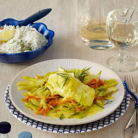 Gedünstetes Kabeljaufilet mit Safransoße auf Fenchel-Gemüse Rezept