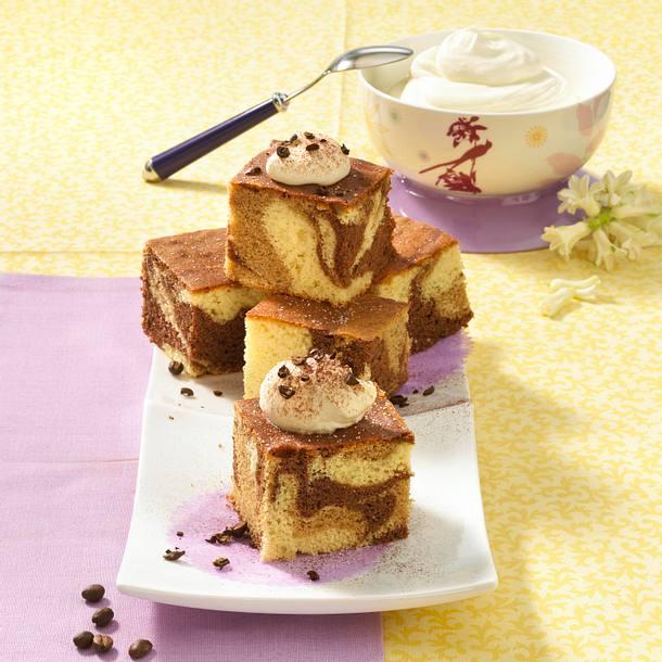 Gefleckter Milchkaffee-Blechkuchen Rezept
