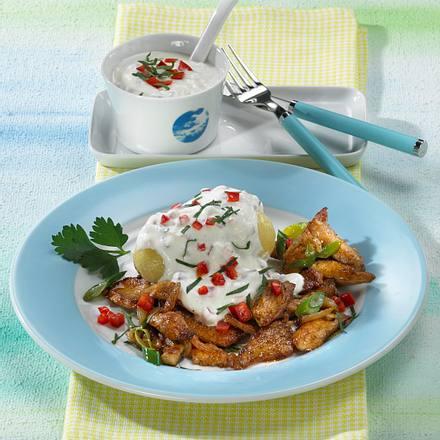 Geflügelgyros mit Kartoffeln und Paprika-Quark Rezept