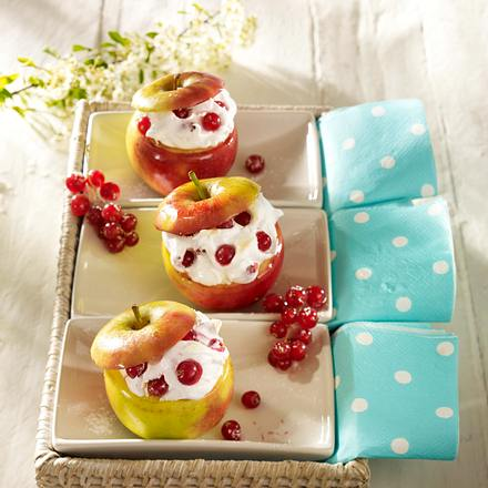Gefüllte Äpfel mit Johannisbeer-Baiser Rezept