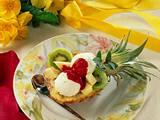 Gefüllte Ananas mit Kokos-Eiscreme Rezept