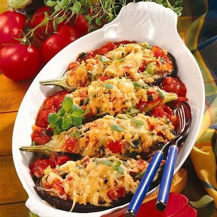 Gefüllte Auberginen in Tomatensoße Rezept