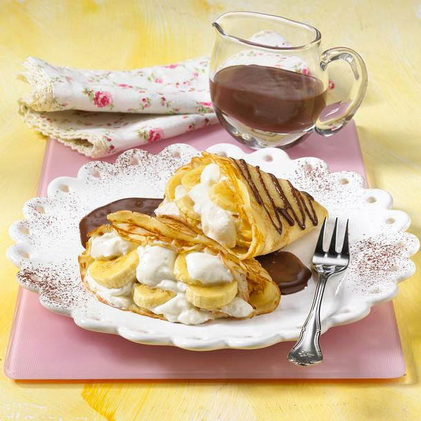 Gefüllte Crêpes mit Schokoladensoße Rezept