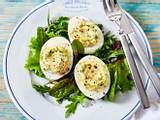Gefüllte Eier mit Ziegenfrischkäse Rezept