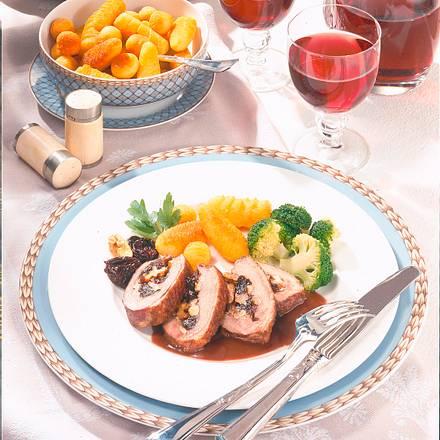 Gefüllte Entenbrust mit Rotwein-Pflaumen Rezept