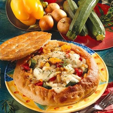 Gefüllte Fladenbrot-Pizza Rezept
