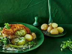 Gefüllte Hähnchenbrust auf Gemüsebett Rezept