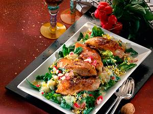 Gefüllte Hähnchenbrust auf Spinat-Salat Rezept