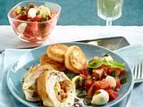 Gefüllte Hähnchenfilets mit Mozzarella und Tomaten zu Kartoffelplätzchen Rezept