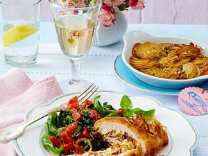 Gefüllte Hähnchenfilets zu Bruschetta-Spinat und Röstkartoffeln Rezept
