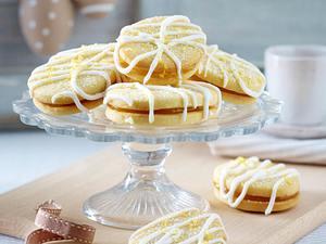 Gefüllte Osterei-Mürbeteigplätzchen mit Lemon Curd Rezept