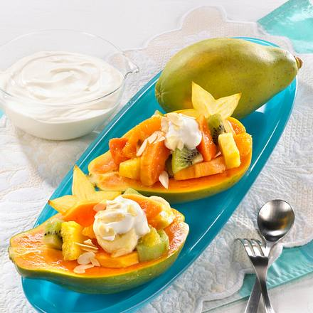 Gefüllte Papaya mit Rumsahne Rezept