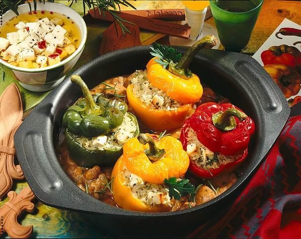 Gefüllte Paprika auf Lammgulasch Rezept