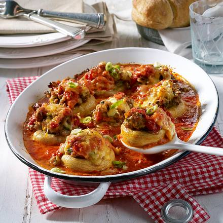 Gefüllte Riesenchampignons in Tomaten-Sahne Rezept